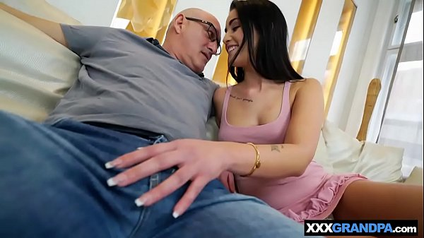 Grandpa, Brunette ass