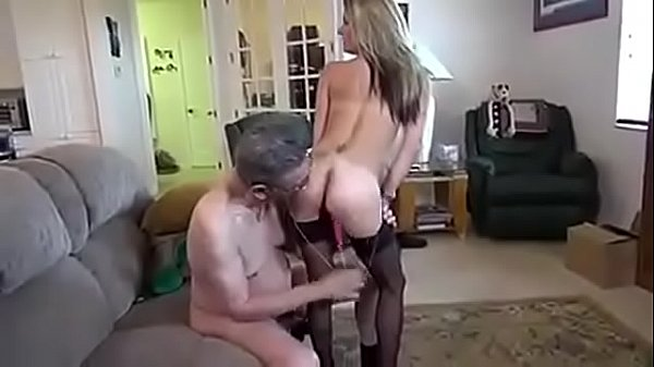 Young girls, Old sex