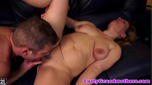 Pussylicking, Fucking granny