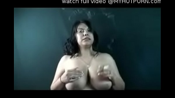 Latina boobs, Tit