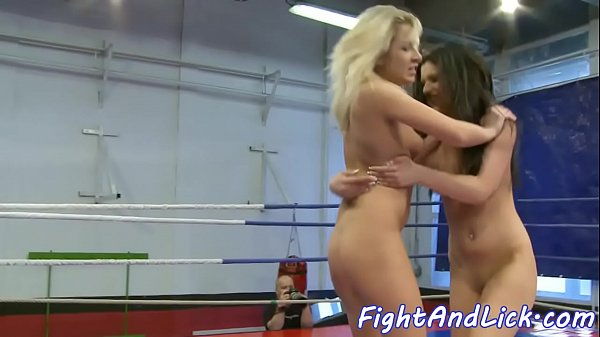 Wrestling, Pussylicking
